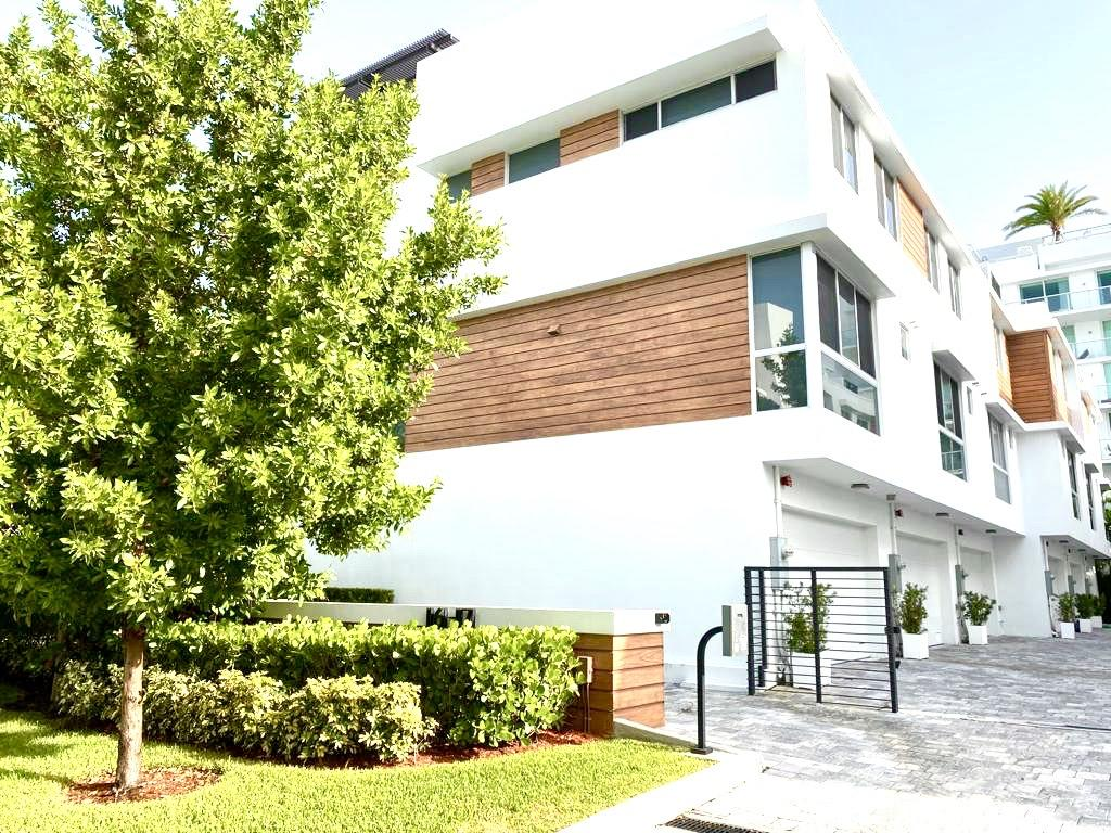 Townhouse/Row House for sale in 1171 101st Street 1171, Bay Harbor Islands, Florida ,33154