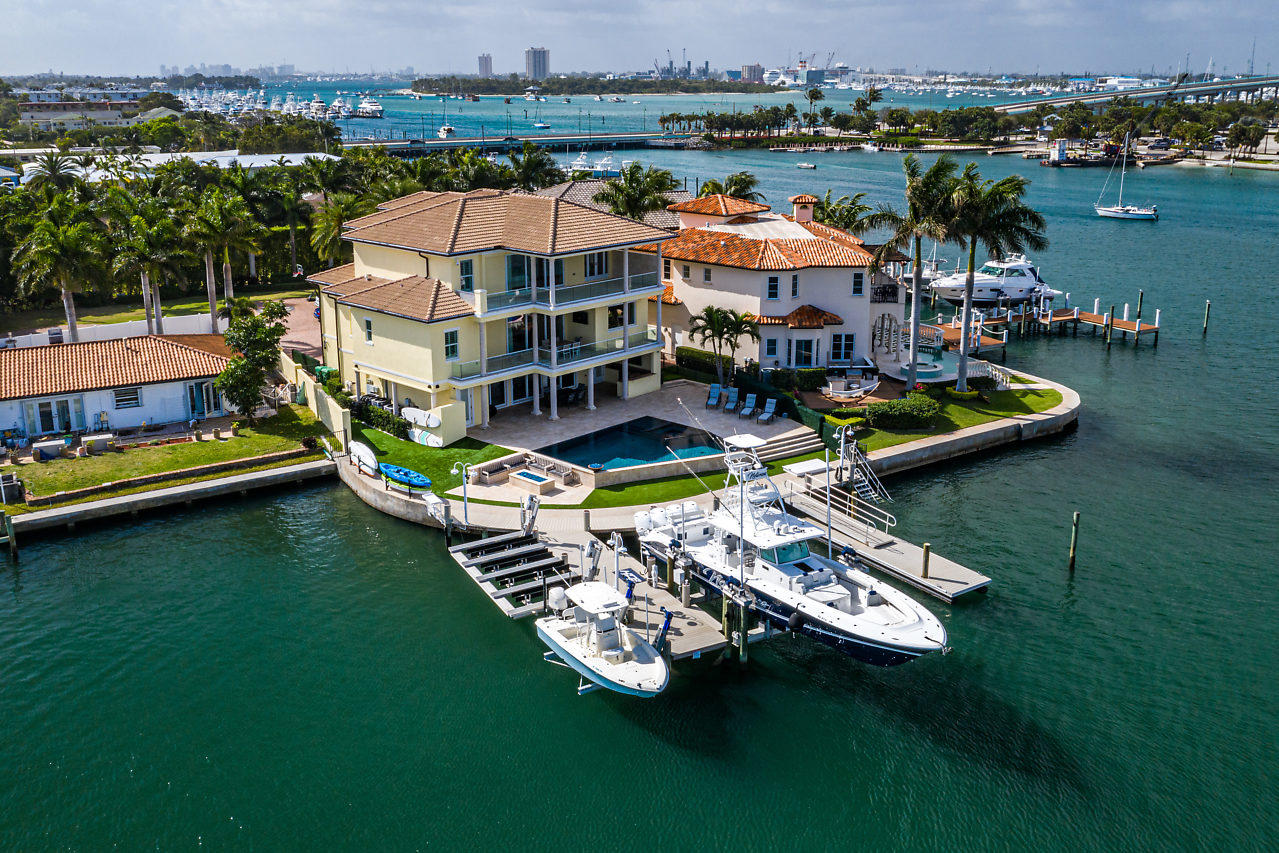 Single Family Home for sale in 2795 Lake Drive, Singer Island, Florida ,33404