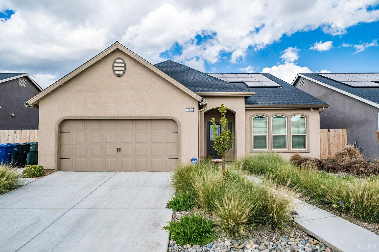 Residential For Sale in 2026 W Hayward St, Hanford, California ,93230