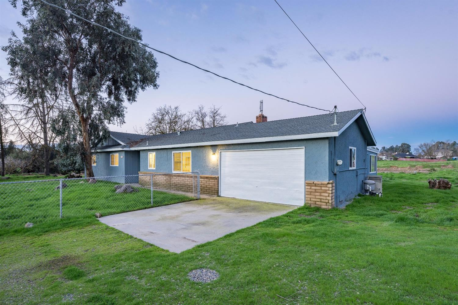 Residential For Sale in 14704 Road 36, Madera, California ,93636