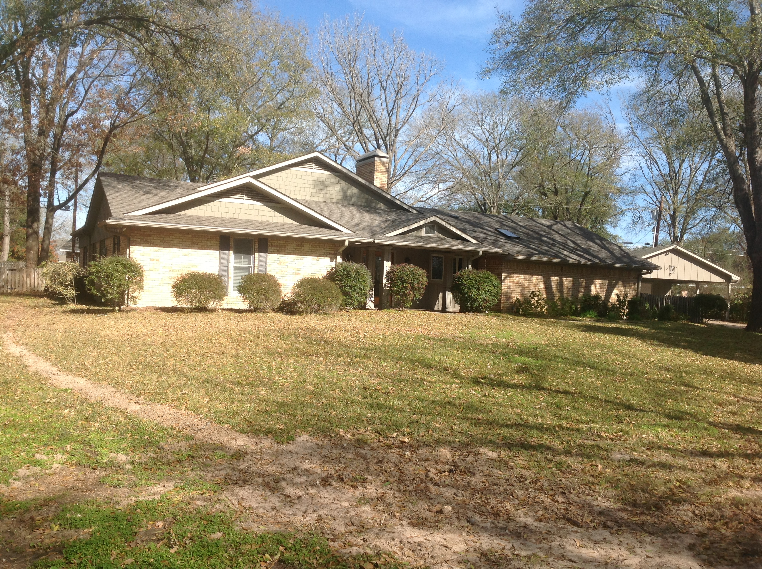 Single Family Home for sale in 713 E Walker St, Groesbeck, Texas ,76642