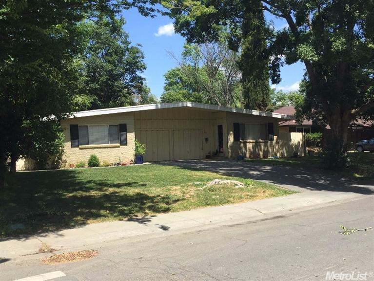House for sale in 25-27 Simmons Way, Davis, California ,95616