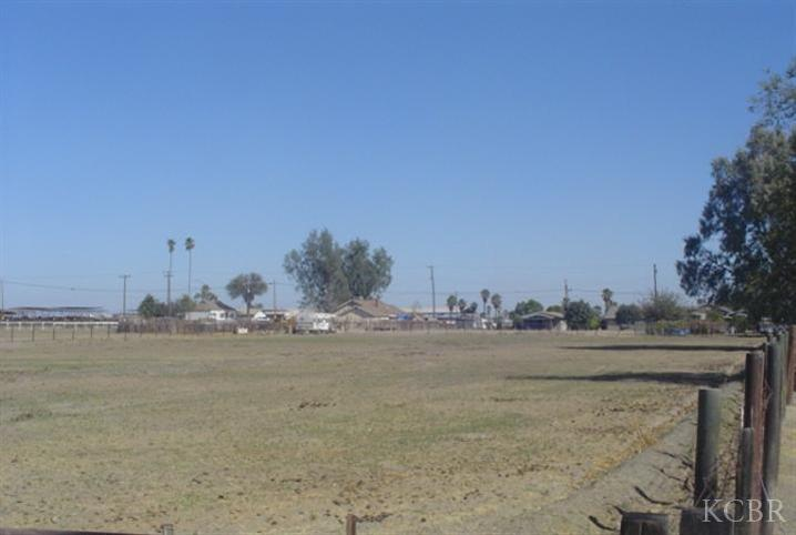 Land for sale in XXX Front St, Stratford, California ,93266