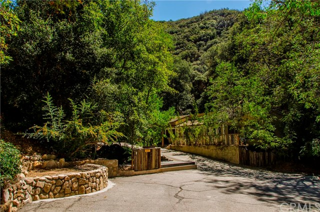 Residential For Sale in 28875 Hwy 330, Running Springs Area, California ,92346