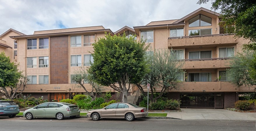 Condominium for sale in 1509 GREENFIELD AVE #207, LOS ANGELES, California ,90025
