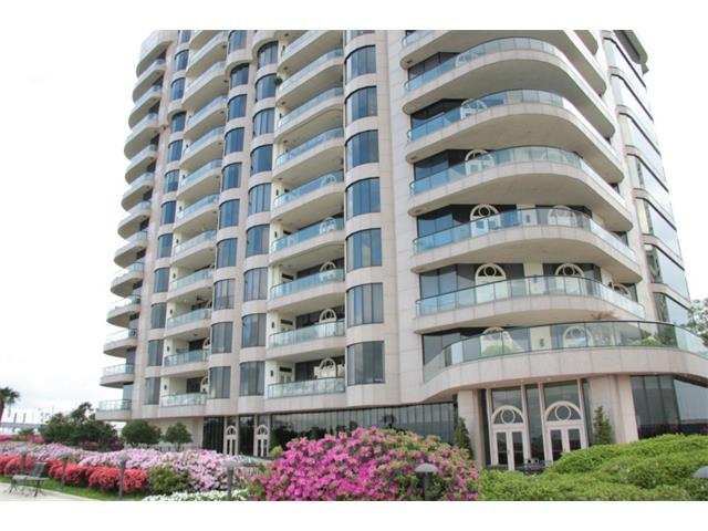 Condominium for sale in 600 Port Of New Orleans Pl, New Orleans, Louisiana ,70130