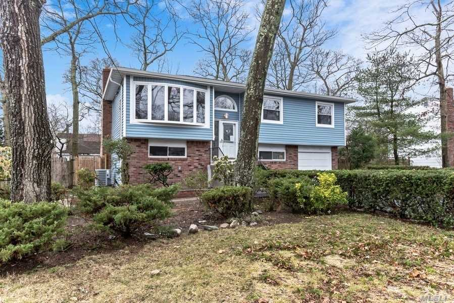 Residential For Sale in 36 Yates Street, W. Babylon, NY ,11704