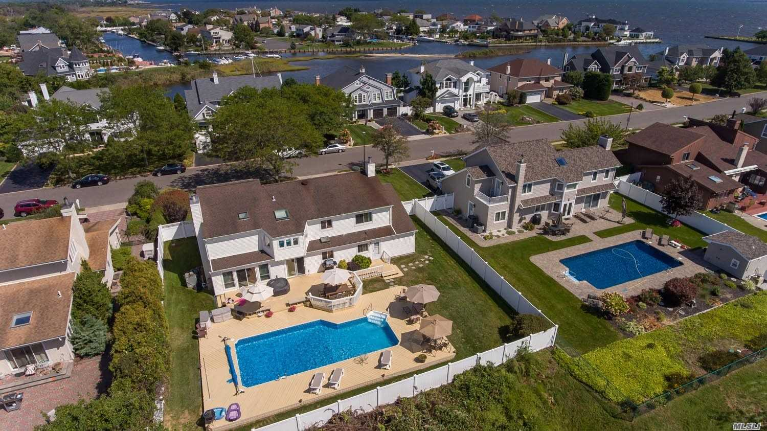 Residential For Sale in 152 Pace Drive, West Islip, NY ,11795
