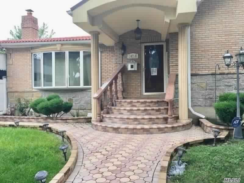 Residential For Sale in 147-27 257th Street, Rosedale, NY ,11422