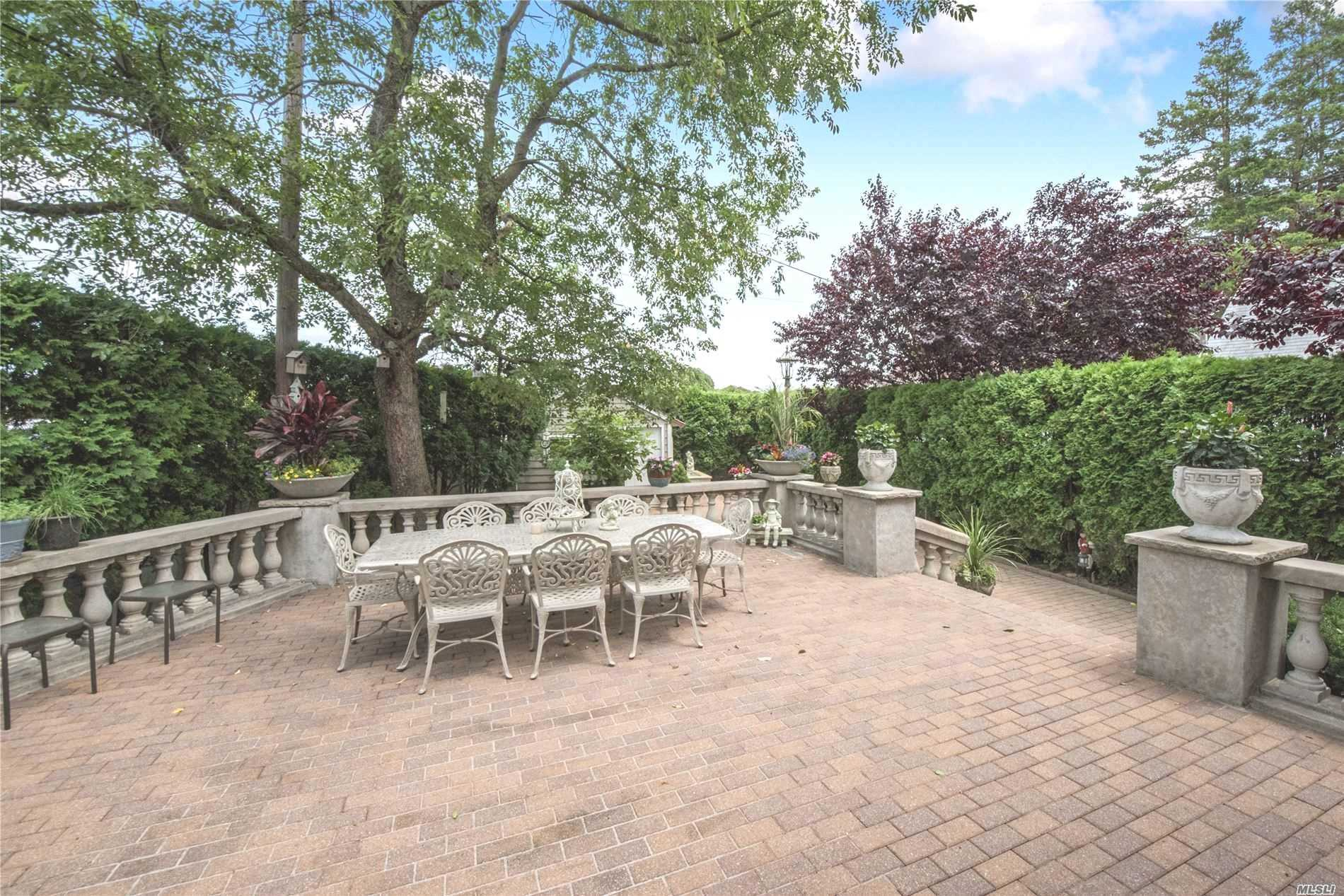 Residential For Sale in 456 Salisbury Park Dr, Westbury, NY ,11590
