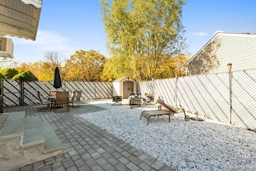 Residential For Sale in 141 Haypath Rd, Old Bethpage, NY ,11804