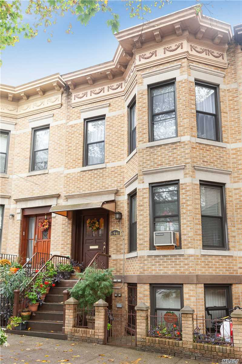 Residential For Sale in 69-41 64th St, Glendale, NY ,11385
