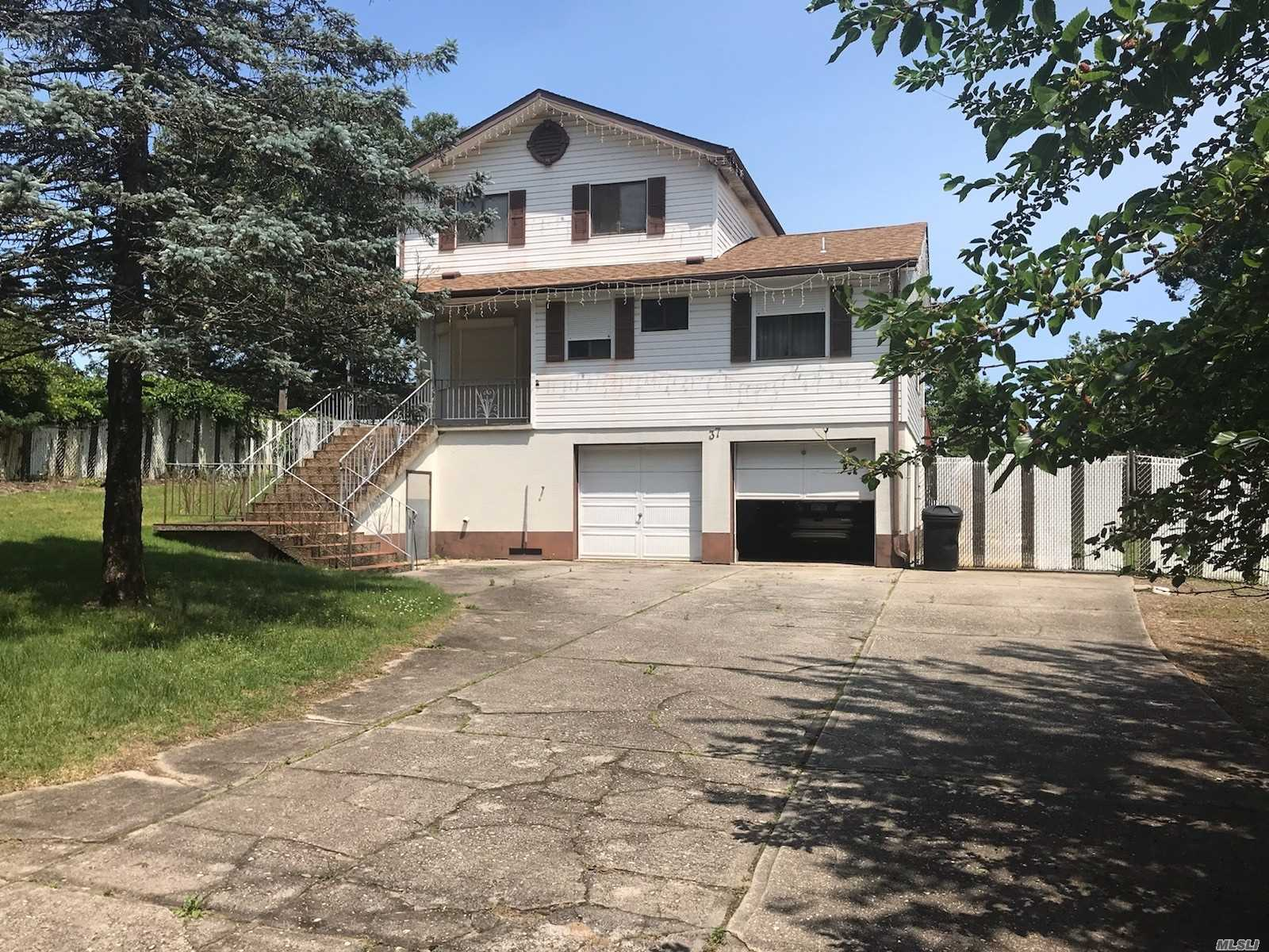 Residential For Sale in 37 Riverside Ave, Mastic Beach, NY ,11951