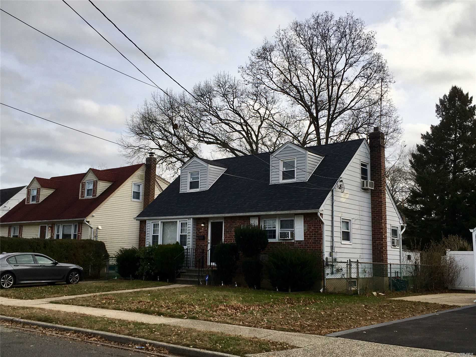 Residential For Rent in 580 Georgia St, S. Hempstead, NY ,11550