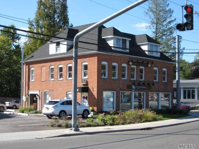 Commercial for sale in 1062 Northern Blvd, Roslyn Heights, NY ,11577