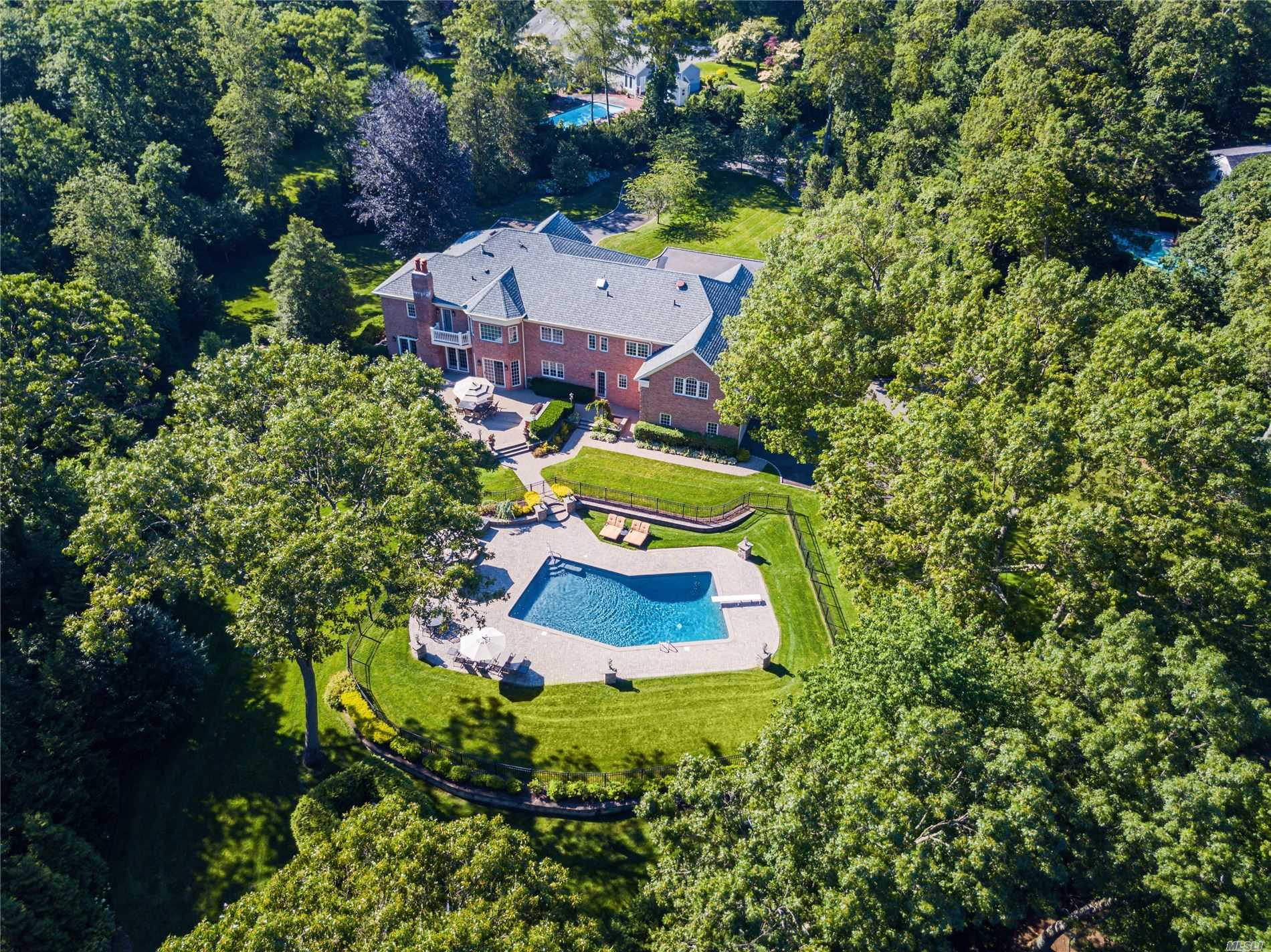 Residential For Sale in 2080 Edge Rd, Muttontown, NY ,11791
