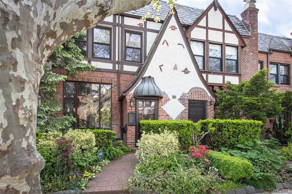 Residential For Sale in 90-10 68 Ave, Forest Hills, NY ,11375