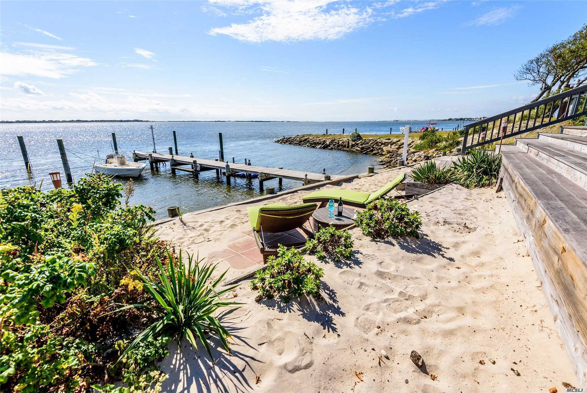 Residential For Sale in 48 Larboard Ct, Oak Beach, NY ,11702