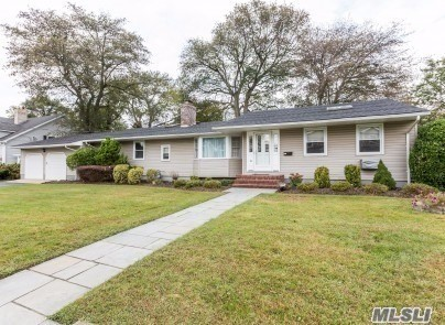 Residential For Sale in 107 Brewster Rd, Massapequa, NY ,11758