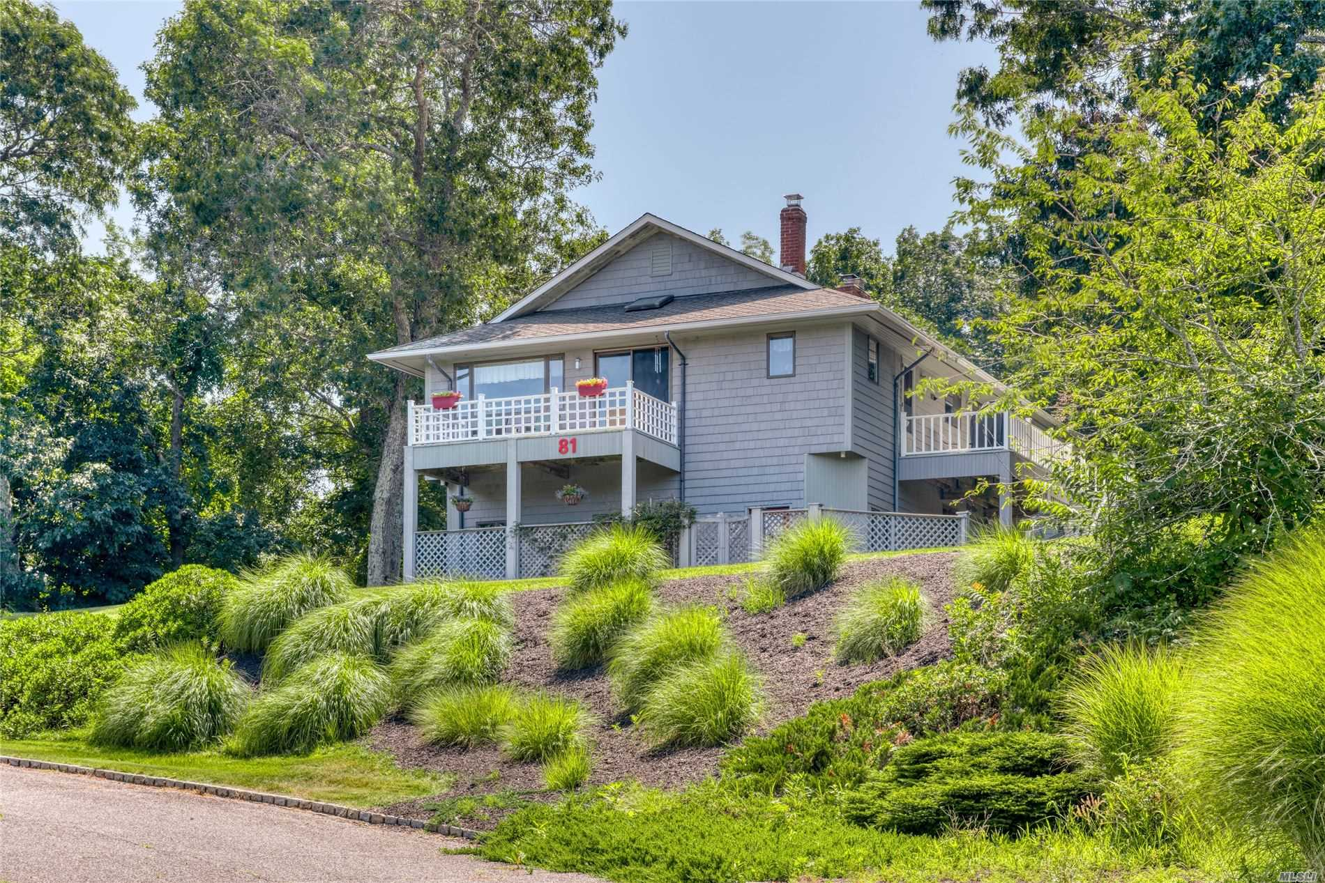 Residential For Sale in 81 Manor Ln, Jamesport, NY ,11947