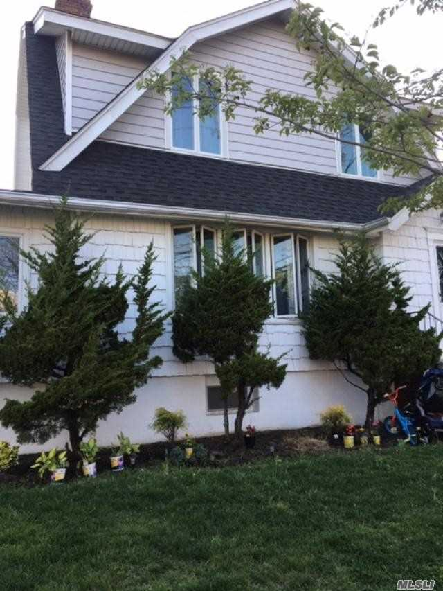 Residential For Sale in 413 Beach 143rd Street, Neponsit, NY ,11694