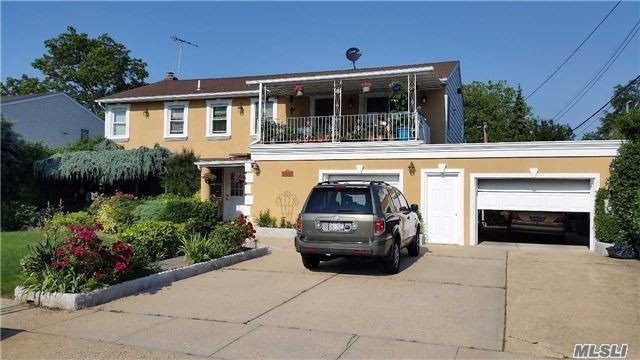 Residential For Sale in 833 Chestnut St, Franklin Square, NY ,11010
