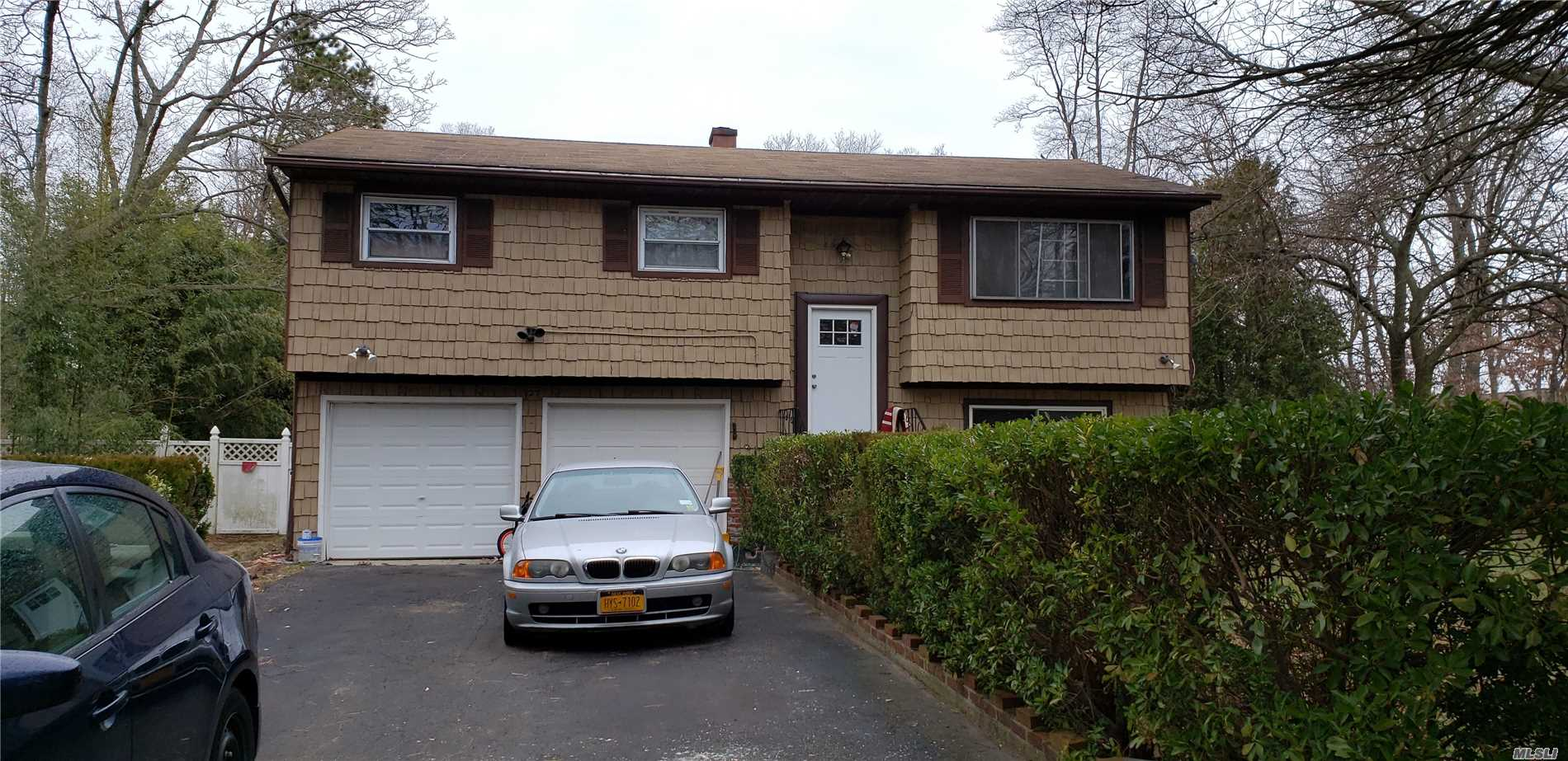 Residential For Sale in 27 Myrtle Ave, Central Islip, NY ,11722