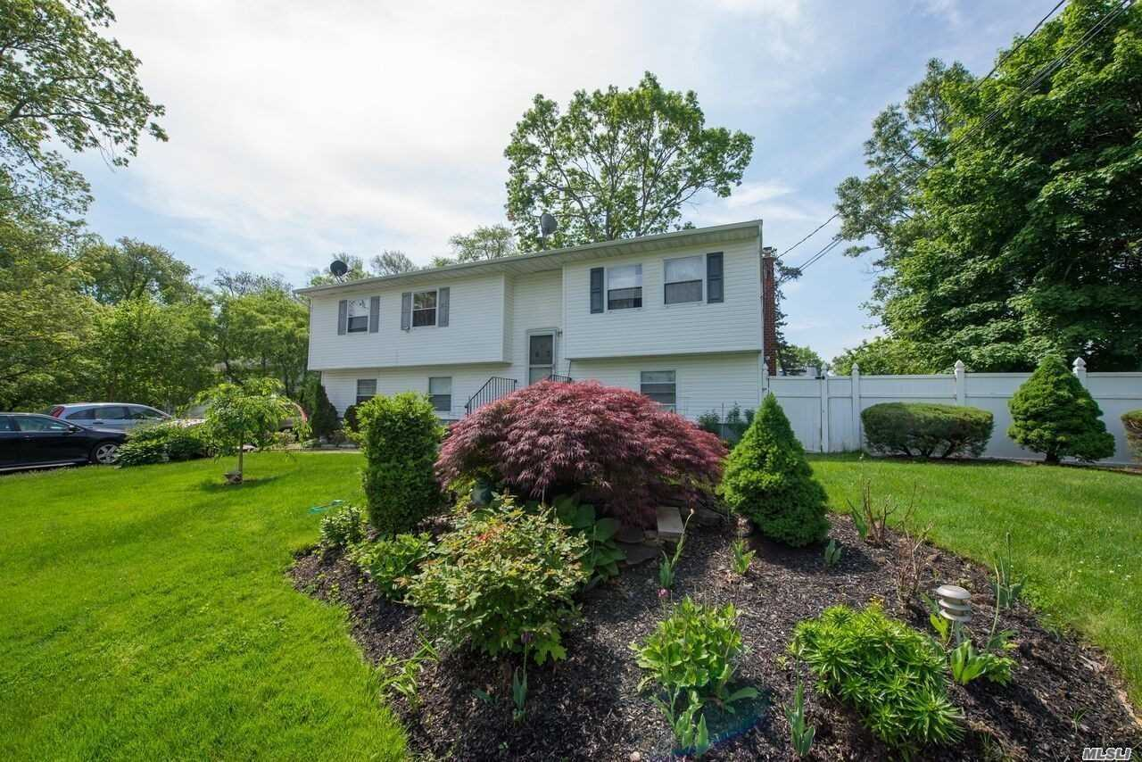 Residential For Sale in 63 Lake Dr, Wyandanch, NY ,11798