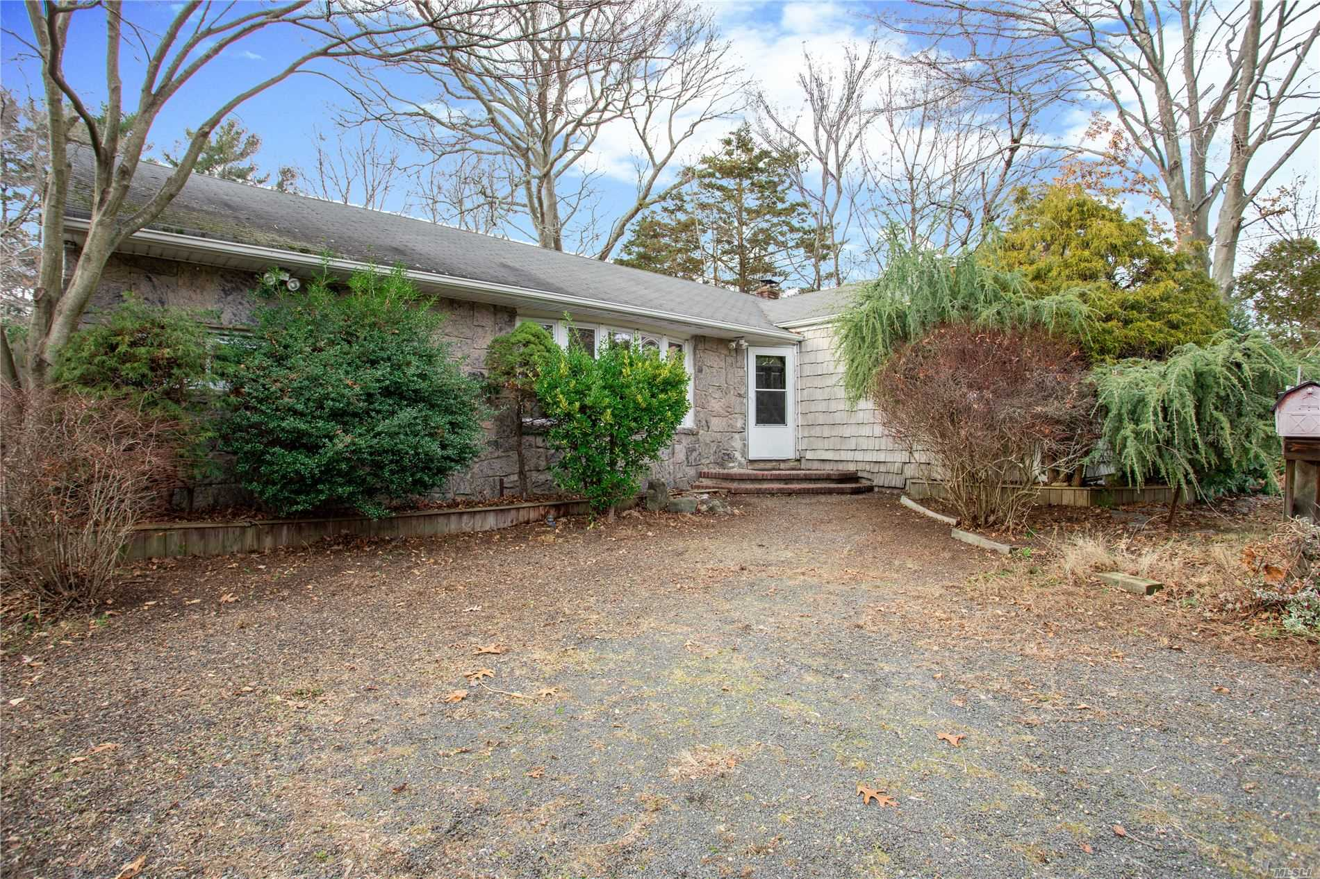 Residential For Sale in 24 Sunny Rd, St. James, NY ,11780