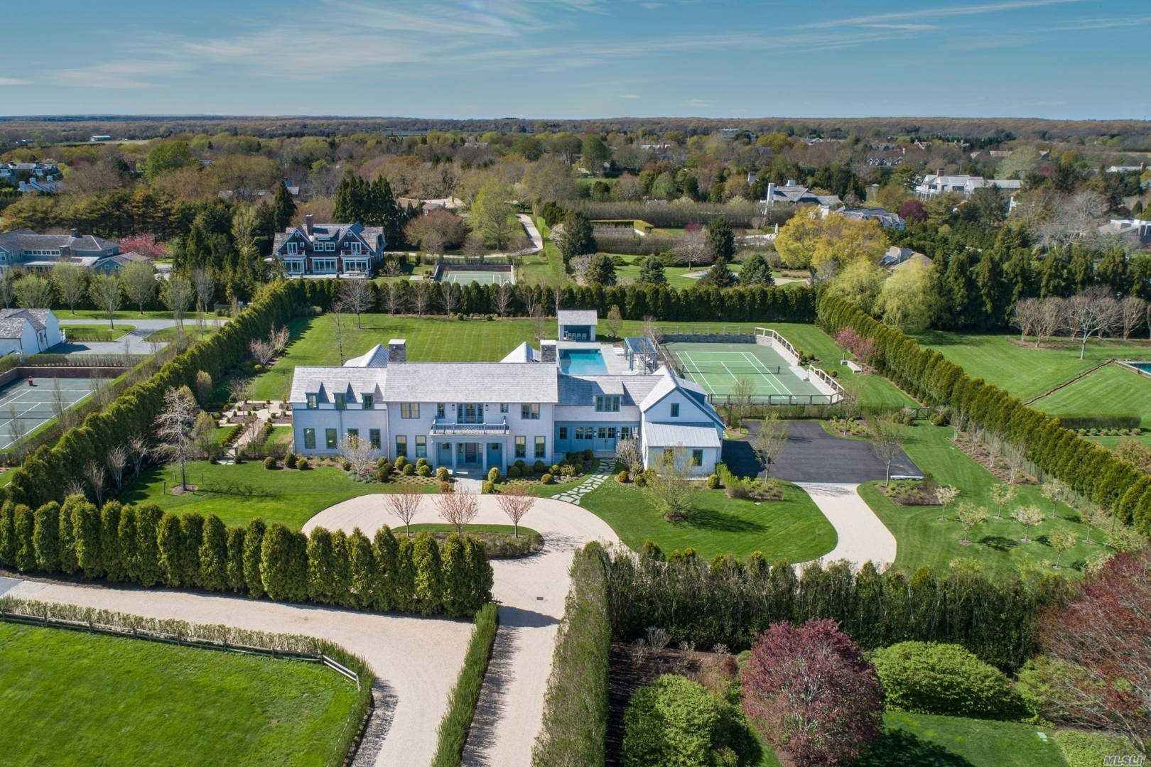 Residential For Sale in 494 Hedges Lane, Sagaponack, NY ,11962