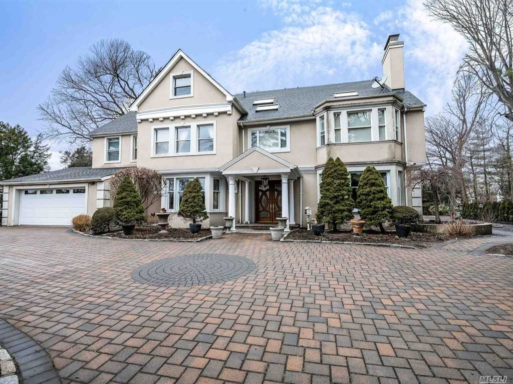 Residential For Sale in 120 Everit Ave, Hewlett Bay Park, NY ,11557