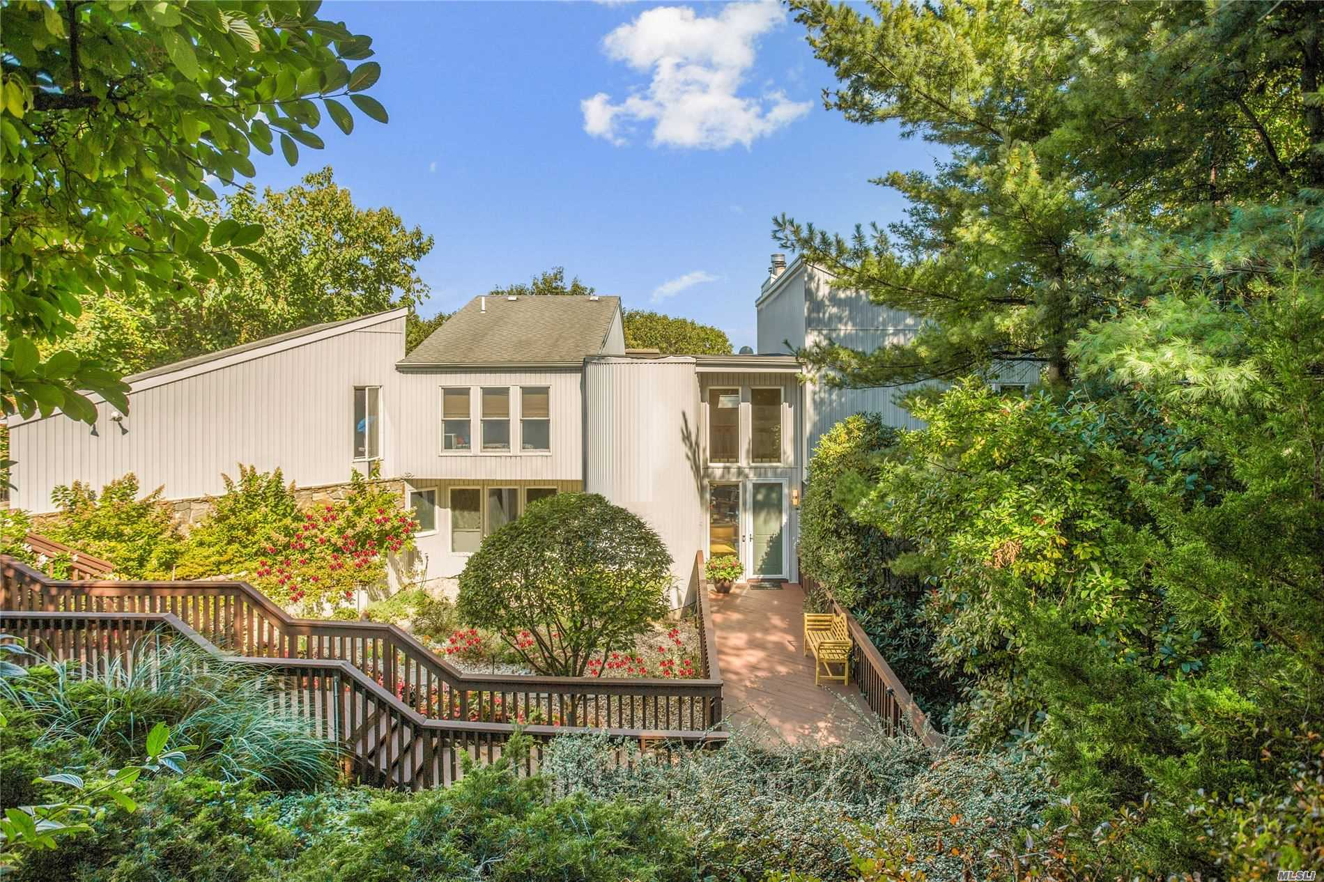 Residential For Sale in 120 Nadia Ct, Port Jefferson, NY ,11777