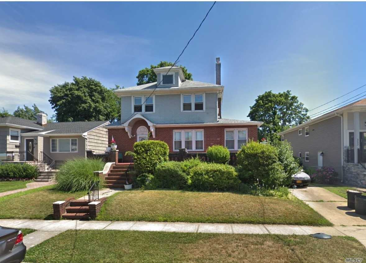 Residential For Sale in 359 Rugby Rd, Cedarhurst, NY ,11516