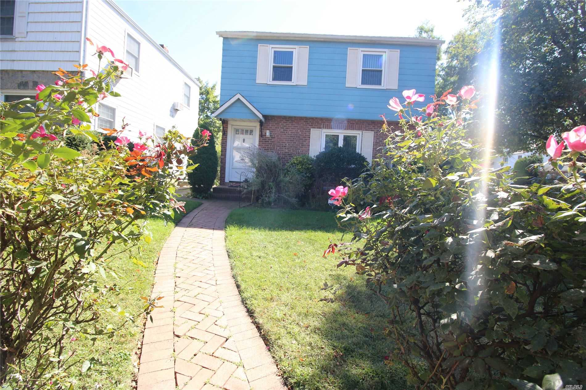 Residential For Rent in 209-02 Richland Ave, Bayside, NY ,11364