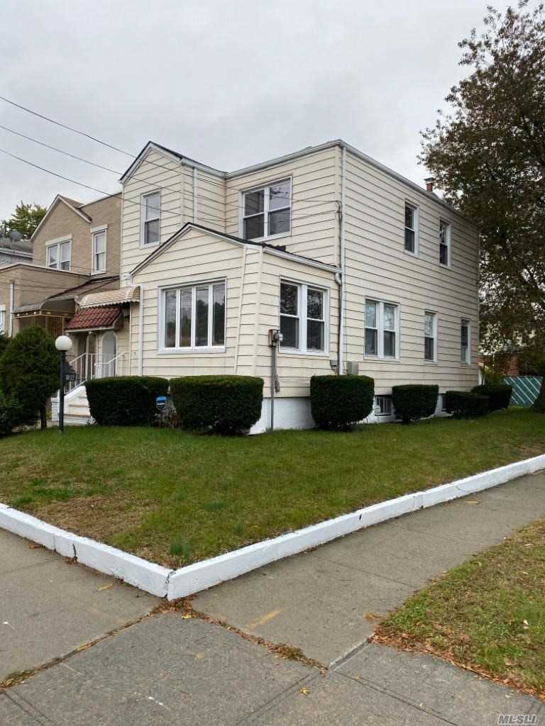 Residential For Sale in 141-02 230th Pl, Laurelton, NY ,11413