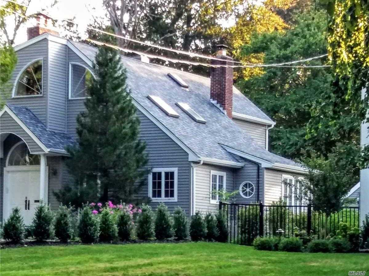 Residential For Sale in 9 Addison Ln, Greenvale, NY ,11548