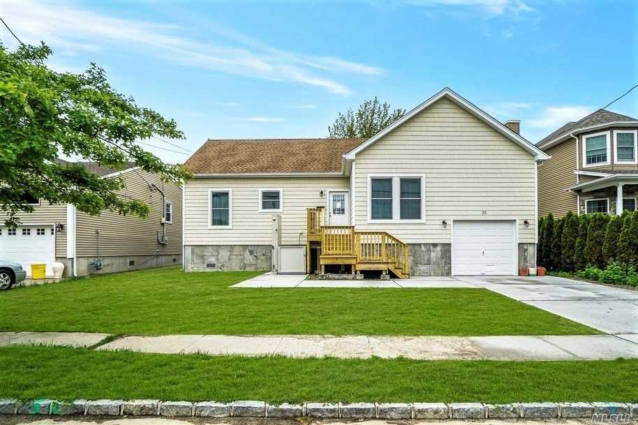 Residential For Sale in 35 Stillwater Ave, Massapequa, NY ,11758