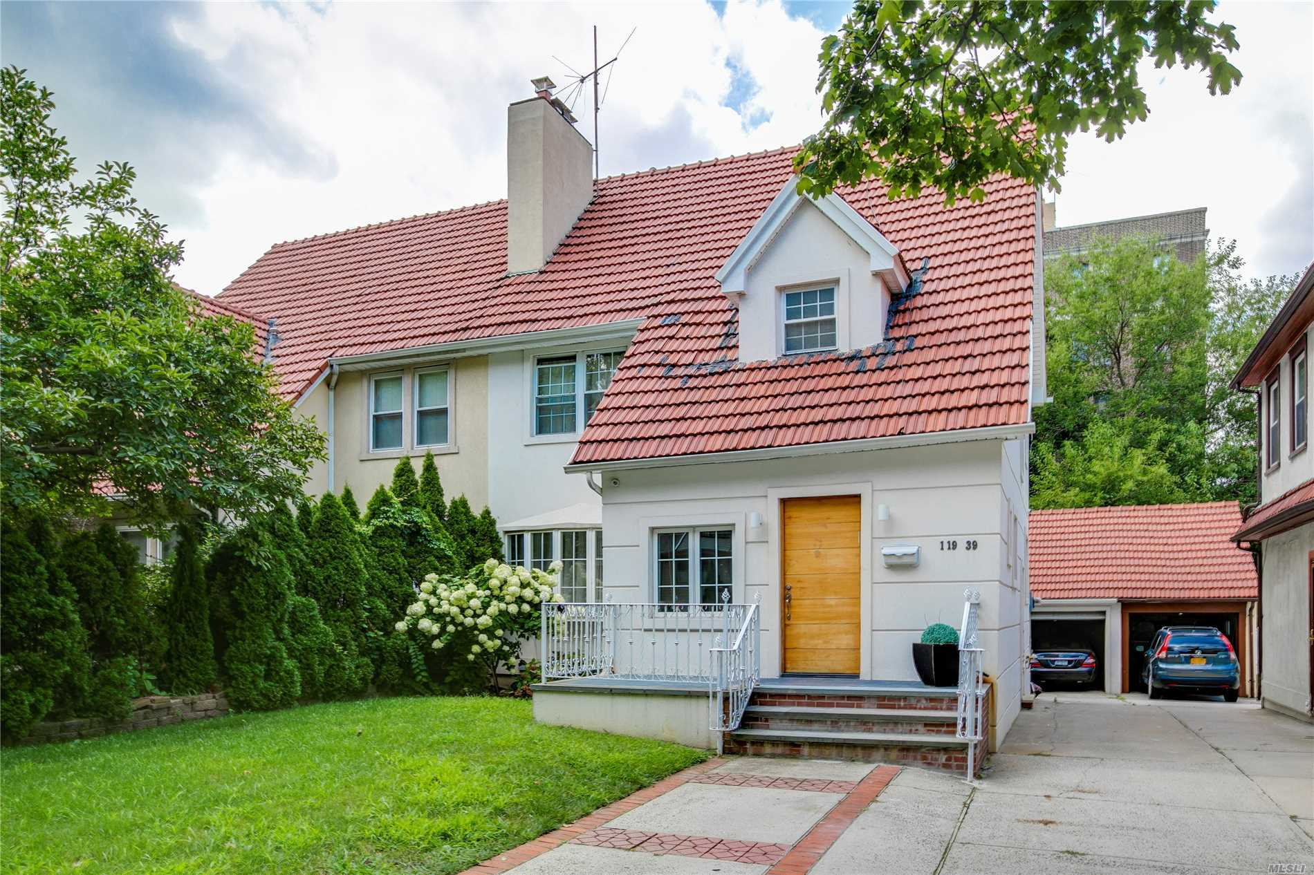 Residential For Sale in 119-39 80th Rd, Kew Gardens, NY ,11415