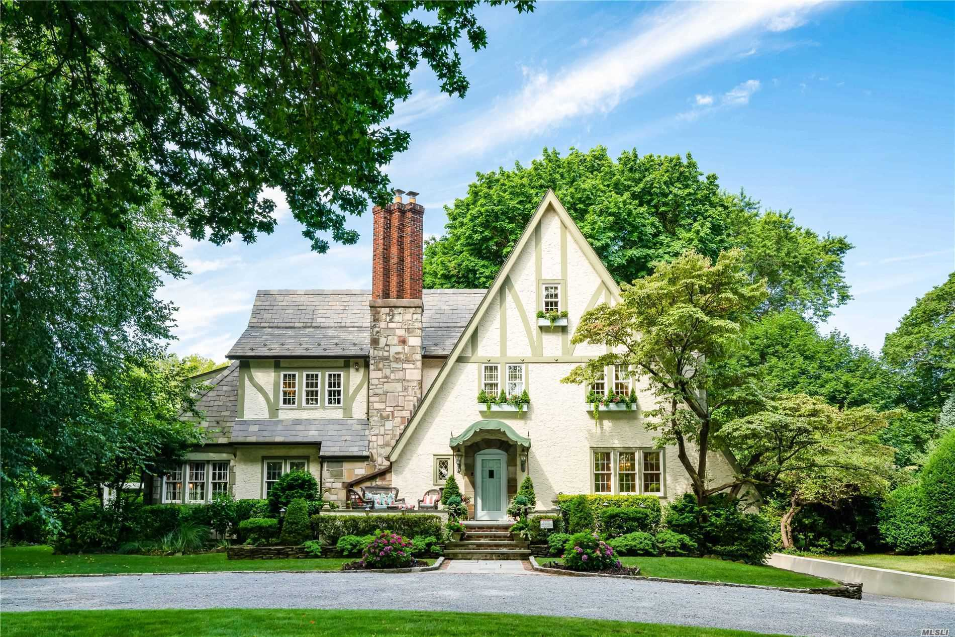 Residential For Sale in 58 Washington Ave, Garden City, NY ,11530