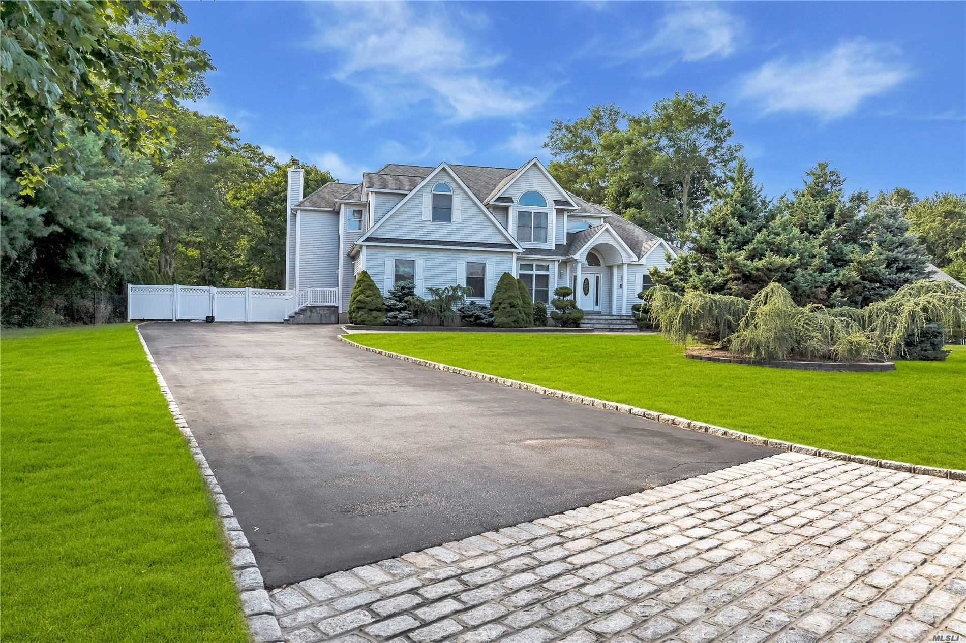 Residential For Sale in 25 Hampton Drive, Center Moriches, NY ,11934
