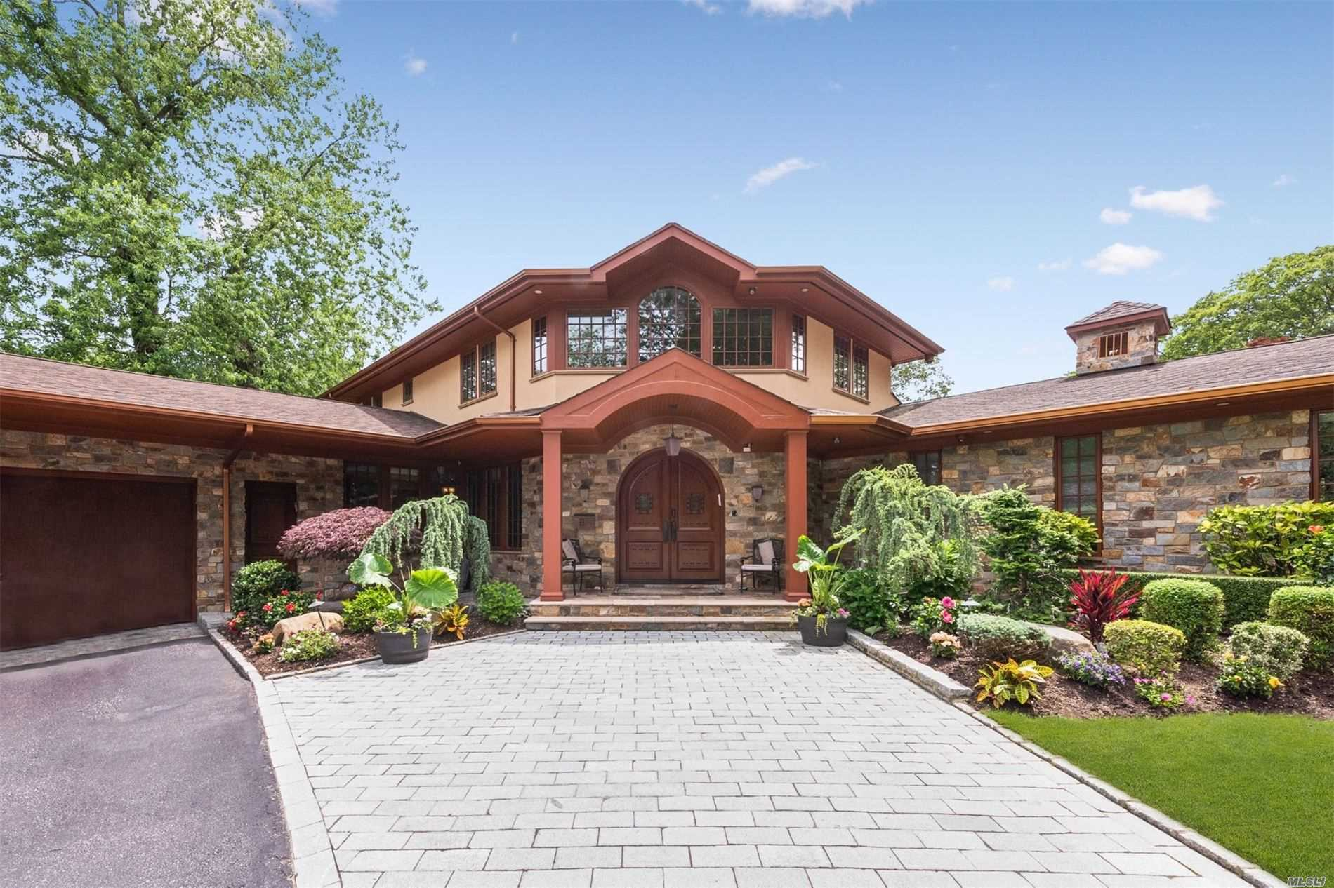 Residential For Rent in 1142 Lefferts Rd, Hewlett Bay Park, NY ,11557