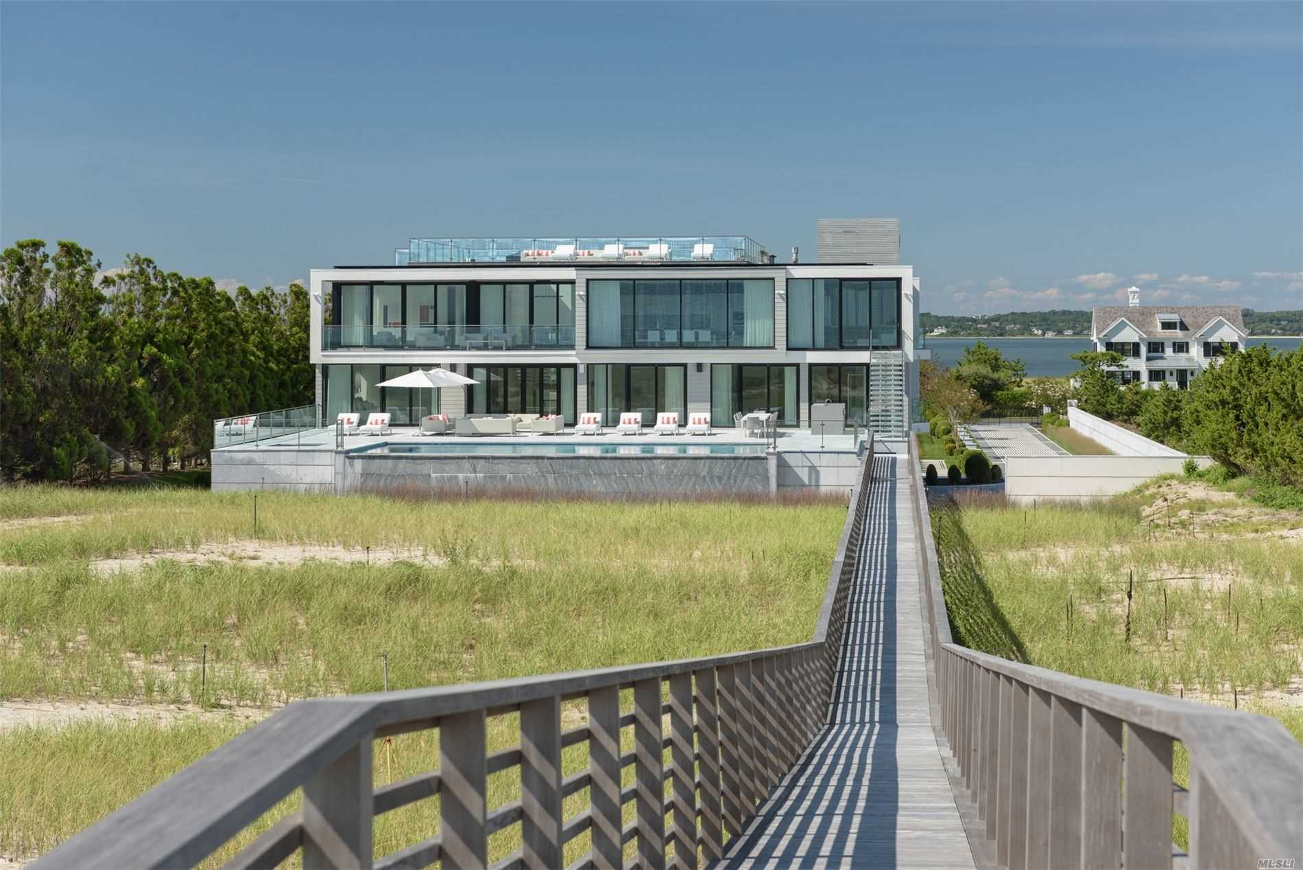 Residential For Sale in 1400 Meadow Lane, Southampton, NY ,11968