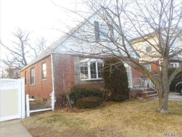 Residential For Sale in 111 Warwick Rd, Elmont, NY ,11003