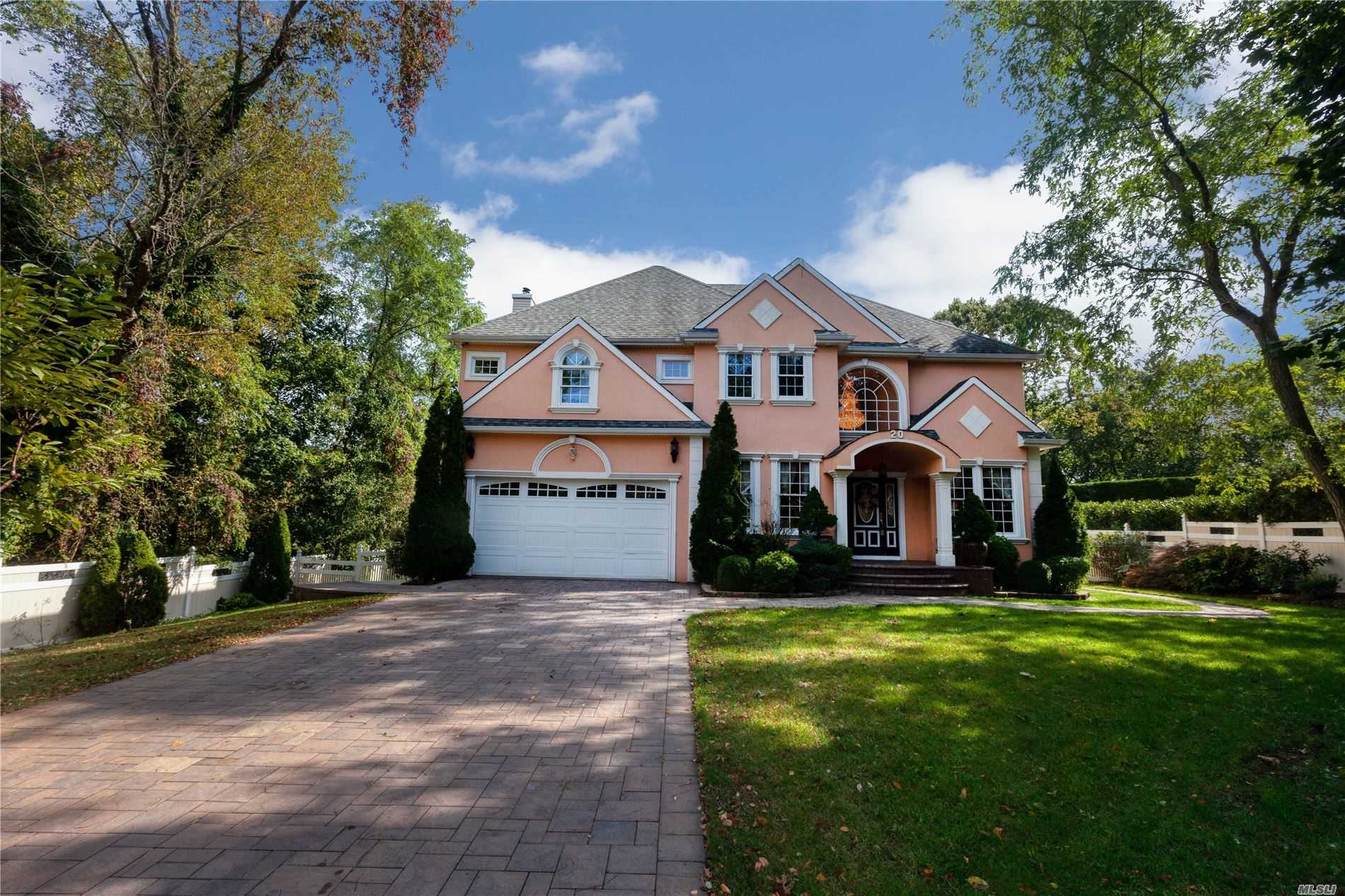 Residential For Sale in 20 Radford Rd, Lake Grove, NY ,11755