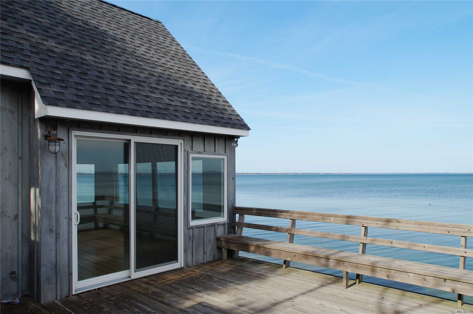 Residential For Sale in 98/102 Red Creek Rd, Hampton Bays, NY ,11946