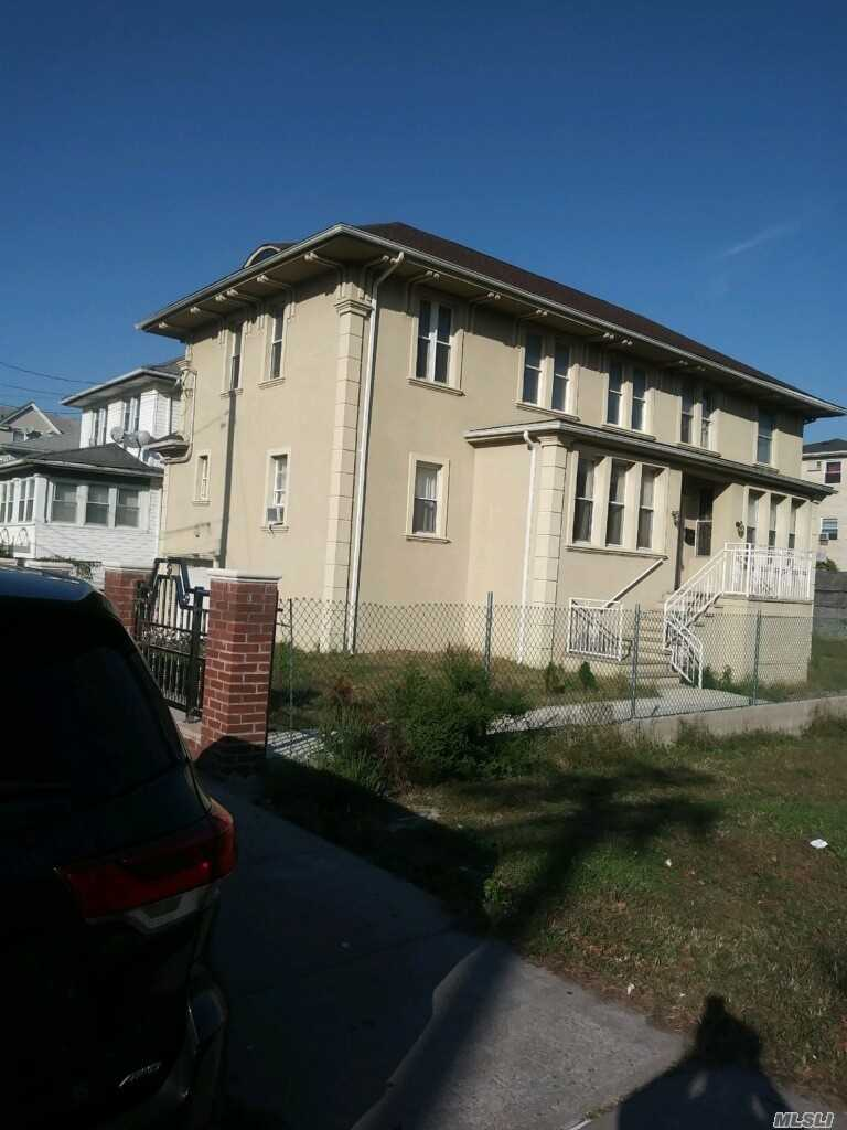 Residential For Sale in 314 Beach 69 St, Arverne, NY ,11692