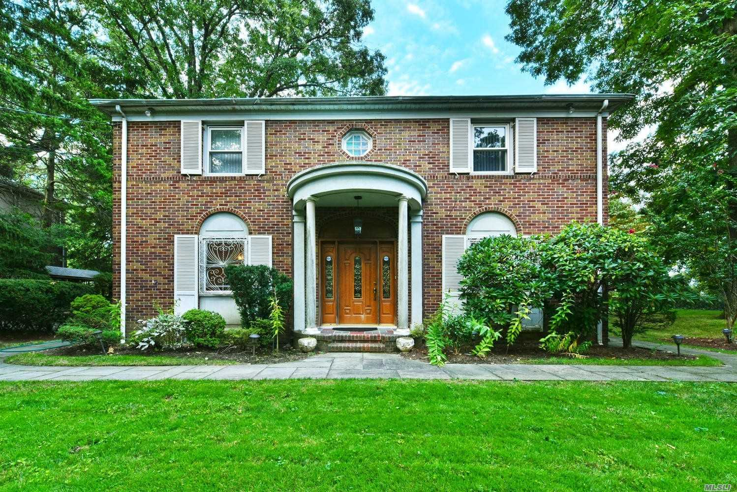 Residential For Sale in 86-45 Santiago St, Holliswood, NY ,11423
