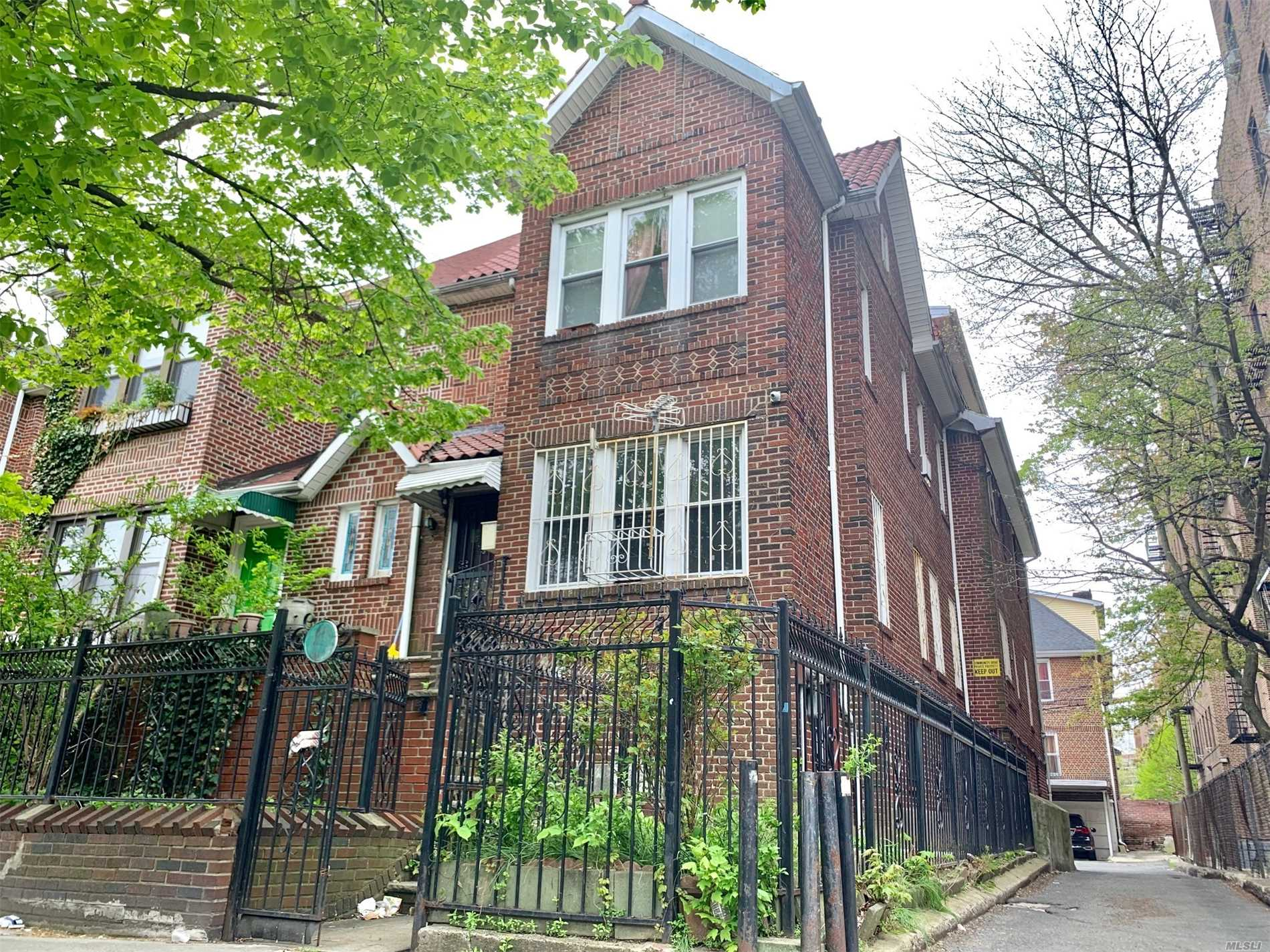 Residential For Sale in 35-14 90 St, Jackson Heights, NY ,11372