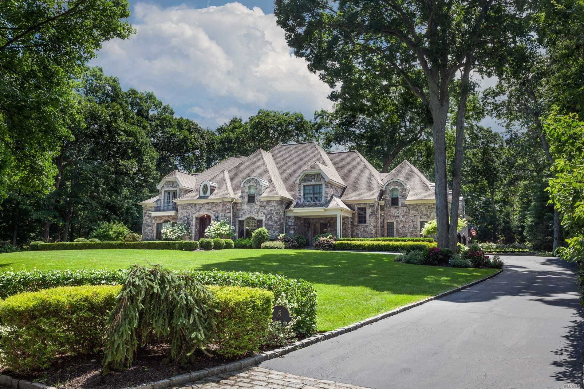 Residential For Sale in 8 Sound Rd, Northport, NY ,11768