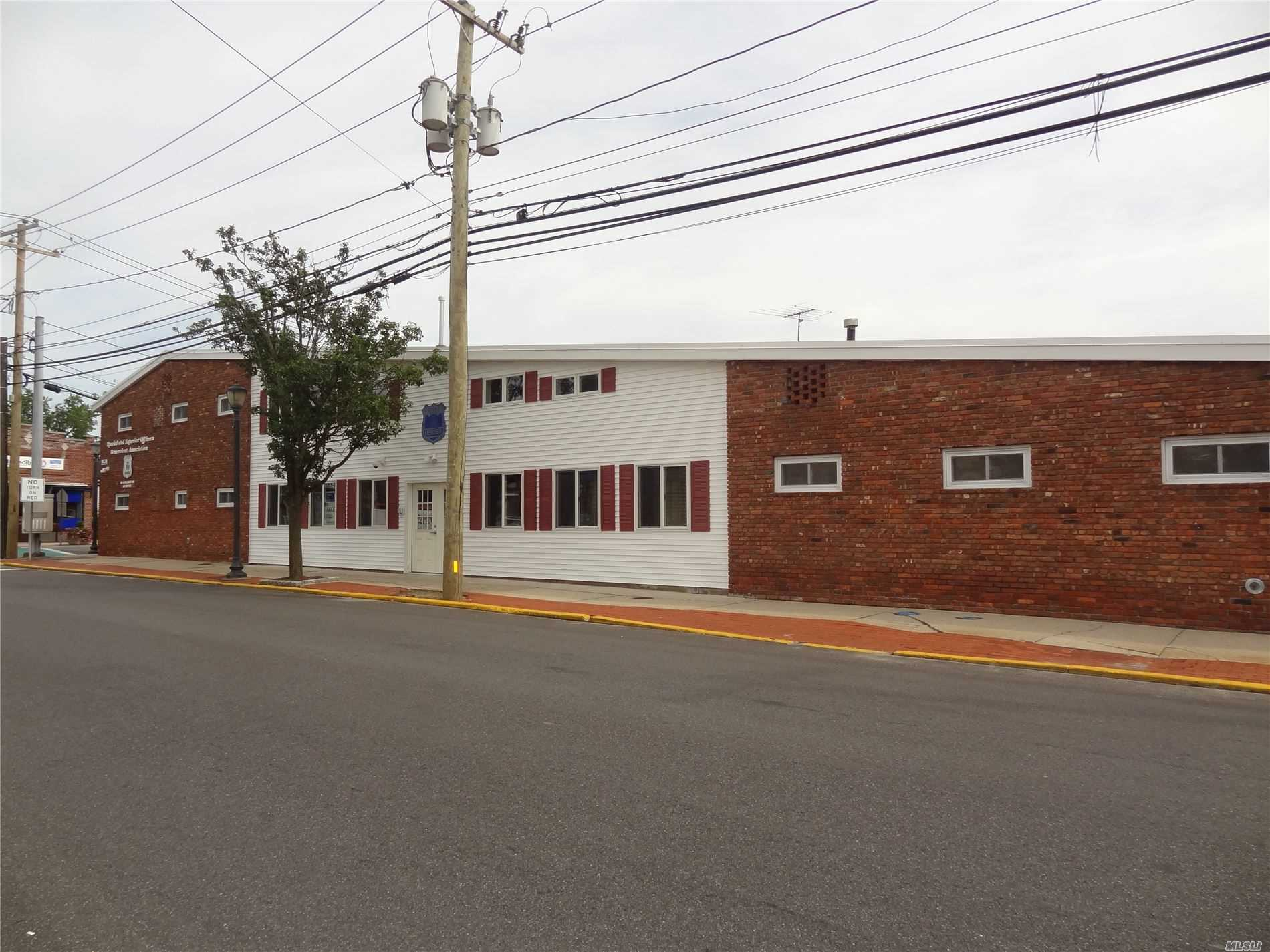 Commercial for sale in 199 Wellwood N Ave, Lindenhurst, NY ,11757